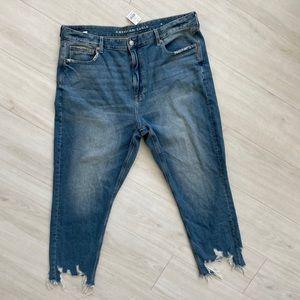 NWT American Eagle mom jeans chew step hem 20